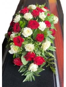 Композиция на крышку гроба из живых цветов (флоретка) №7521
